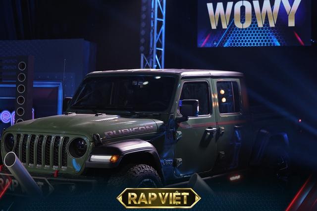 Soi dàn xe chống lưng giám khảo Rap Việt mùa 2: Toàn xe tiền tỷ đến từ Mỹ, có mẫu đắt như Mercedes-Benz S-Class - Ảnh 4.