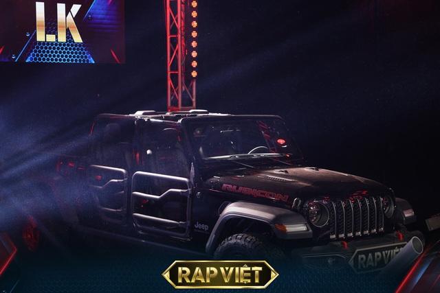 Soi dàn xe chống lưng giám khảo Rap Việt mùa 2: Toàn xe tiền tỷ đến từ Mỹ, có mẫu đắt như Mercedes-Benz S-Class - Ảnh 5.