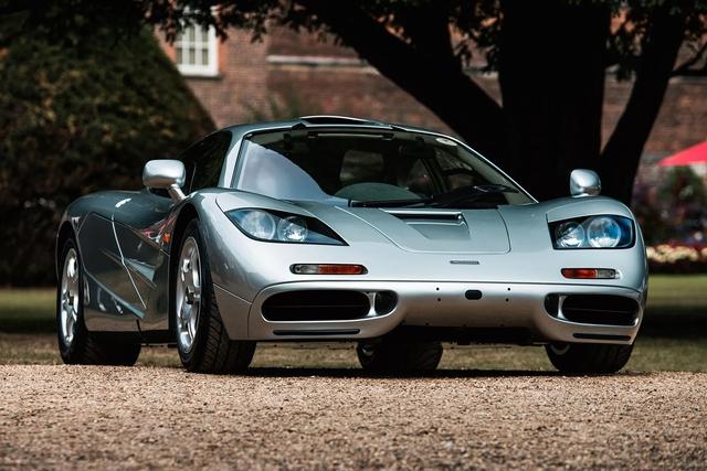 BST xe của những tỷ phú keo kiệt nhất thế giới: Nhiều hàng khủng, hàng hiếm, tổng trị giá hàng triệu đô - Ảnh 13.