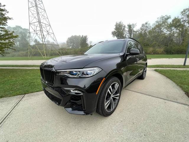 Review sơ sơ BMW X7 dành tặng vợ, Tyler Ngo chia sẻ: 'Lái như siêu xe, tuy cũ nhưng độc nhất vô nhị' - Ảnh 2.