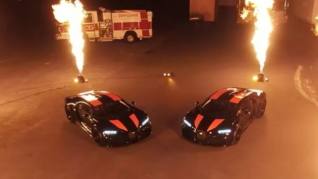 Cận cảnh lễ khui công và bàn giao 2 chiếc Bugatti Chiron Super Sport 300+ đầu tiên thế giới: 'Hết nước chấm!'