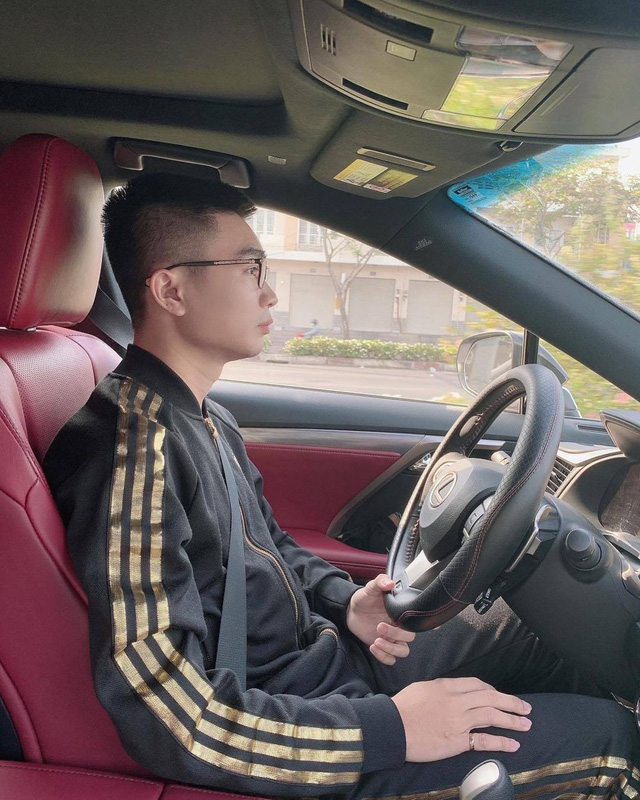Soi dàn xế hộp tiền tỷ của dàn streamer Việt, nể nhất Độ Mixi chỉ coi Mercedes GLC như mô hình - Ảnh 8.