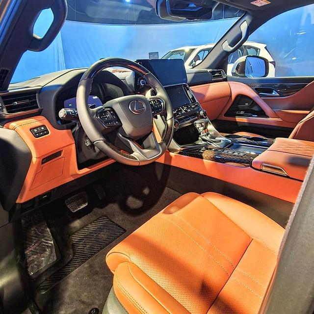 Ảnh thực tế đầu tiên của Lexus LX 600 2022: Đẹp và hầm hố hơn quảng cáo, sẽ về nước phục vụ đại gia Việt - Ảnh 7.