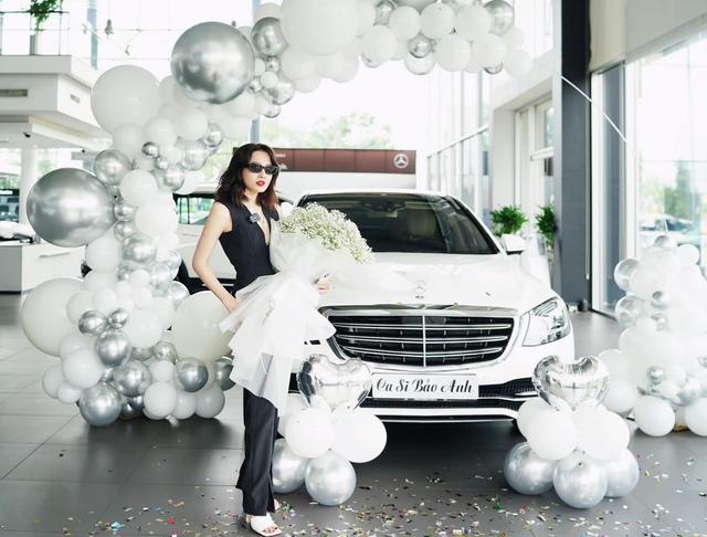 Vừa hết giãn cách, ca sĩ Bảo Anh tranh thủ sắm liền Mercedes-Benz S 450 giá hơn 4 tỷ đồng với lý do chờ đời mới mua sẽ đắt