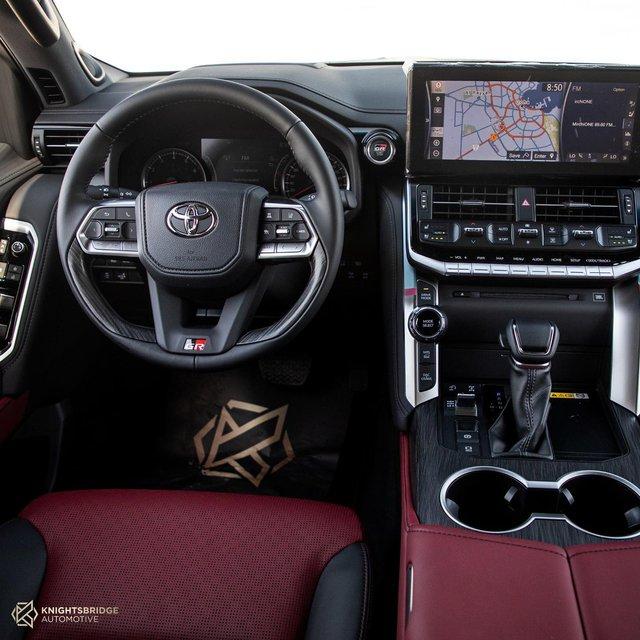 Để mua Toyota Land Cruiser 2022 trông như bản base này, đại gia Việt phải trả hơn 7 tỷ đồng, đắt hơn mua BMW X7 - Ảnh 3.