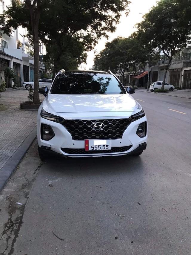 Hội Hyundai Santa Fe biển đẹp lại bán xe giá 2,7 tỷ: Biển '555.55', xe chưa từng lăn bánh và bóc ni-lon - Ảnh 3.