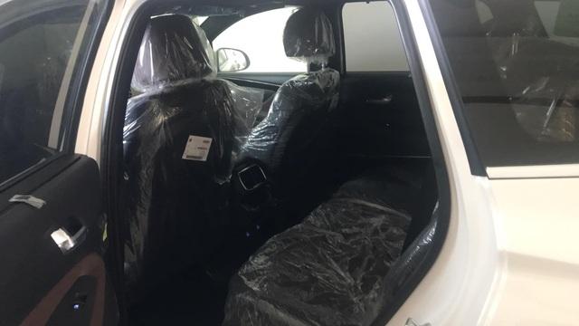 Hội Hyundai Santa Fe biển đẹp lại bán xe giá 2,7 tỷ: Biển '555.55', xe chưa từng lăn bánh và bóc ni-lon - Ảnh 6.