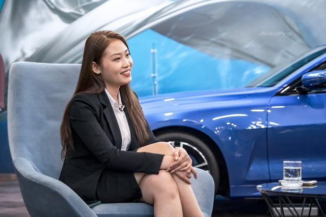 Sales nữ BMW duy nhất miền Bắc: 'Khách quan tâm xe thì không quan tâm sales nữ, và ngược lại'