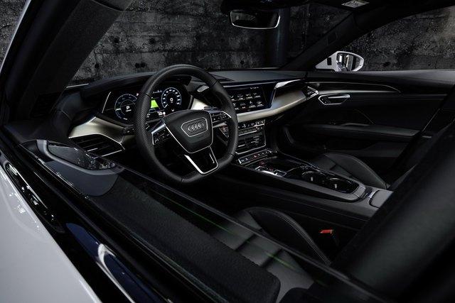 Audi E-Tron GT chính thức ra mắt, chờ ngày về nước đấu Porsche Taycan - Ảnh 6.