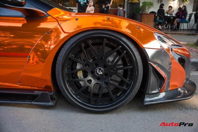 Dàn siêu xe khủng xuống phố Hà Nội đón Tết: McLaren 650S Spider màu dị của Dương Kon và cặp đôi Lamborghini Aventador SVJ gây chú ý - Ảnh 14.