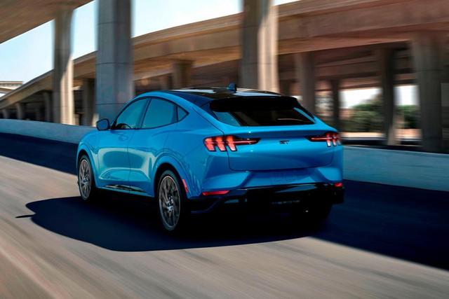 Đại lý hét giá Mustang SUV cao gấp rưỡi con số khởi điểm hãng đề ra, khách hàng Ford than trời - Ảnh 2.
