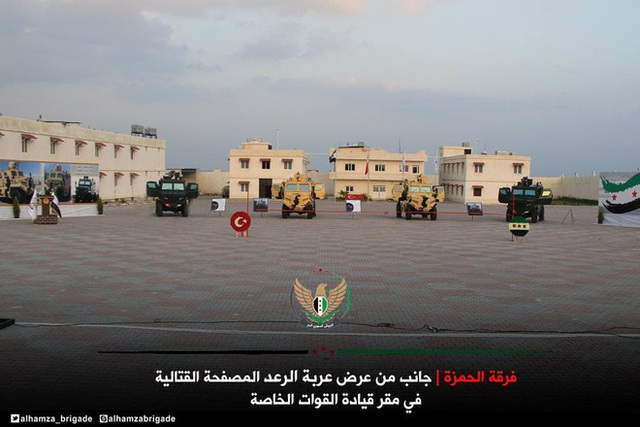 Hào hứng khoe xe cơ động bọc thép tự chế, phiến quân Syria bị bóc phốt cay đắng - Ảnh 4.