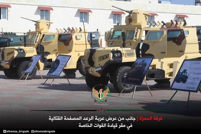 Hào hứng khoe xe cơ động bọc thép tự chế, phiến quân Syria bị bóc phốt cay đắng - Ảnh 5.
