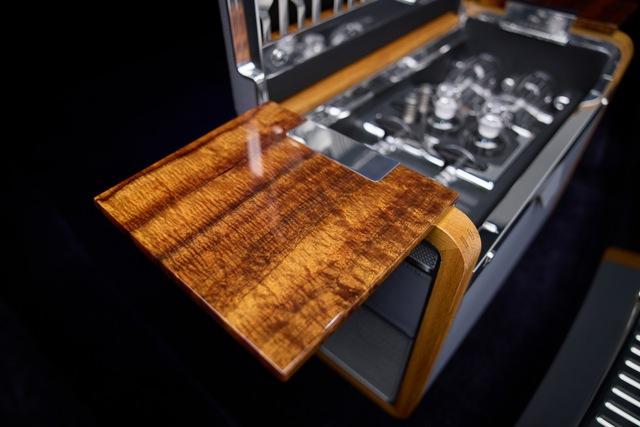 Khám phá Rolls-Royce Phantom độc nhất vô nhị sử dụng gỗ Koa siêu quý hiếm - Ảnh 1.