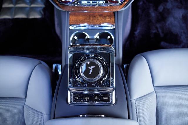 Khám phá Rolls-Royce Phantom độc nhất vô nhị sử dụng gỗ Koa siêu quý hiếm - Ảnh 5.