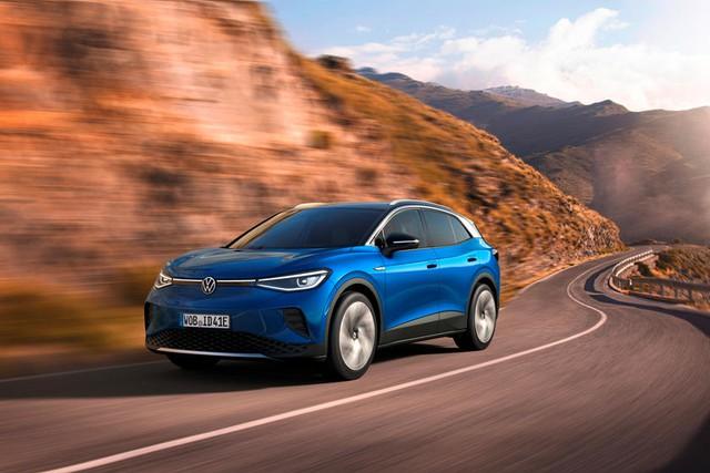 Volkswagen và Toyota có thể tự tin đả bại Tesla nhờ một yếu tố - Ảnh 1.
