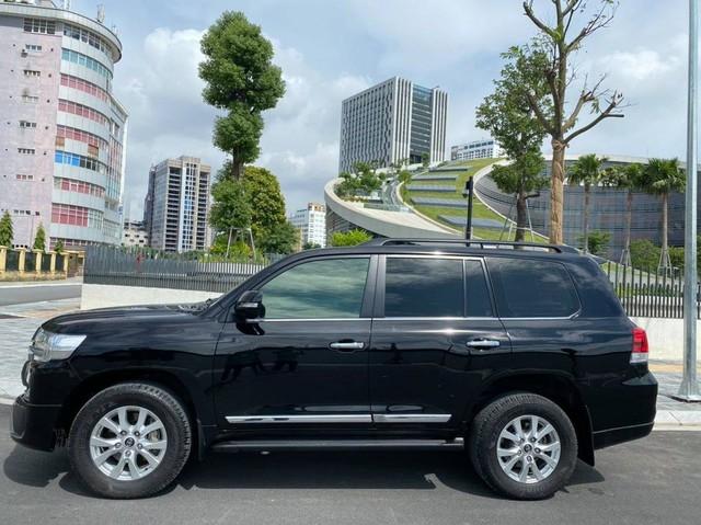 6 năm tuổi, Toyota Land Cruiser ODO 68.000km vẫn đắt ngang Audi Q7 thế hệ mới - Ảnh 2.