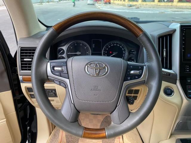 6 năm tuổi, Toyota Land Cruiser ODO 68.000km vẫn đắt ngang Audi Q7 thế hệ mới - Ảnh 5.