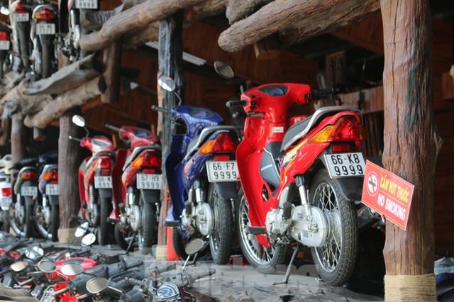 Mê mẩn bộ sưu tập 500 chiếc xe máy biển số khủng  - Ảnh 2.