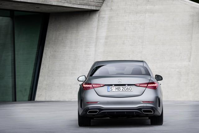 Ra mắt Mercedes-Benz C-Class 2022: Tiểu S-Class đè bẹp 3-Series, A4 - Ảnh 8.