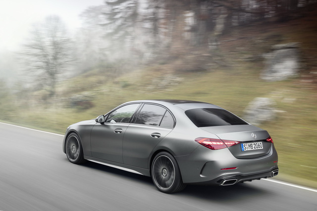 Ra mắt Mercedes-Benz C-Class 2022: Tiểu S-Class đè bẹp 3-Series, A4 - Ảnh 6.