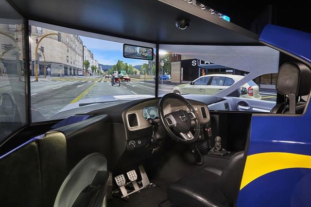 Lùi dạy và thi lái ô tô bằng phần mềm mô phỏng thêm 1 năm - Ảnh 1.