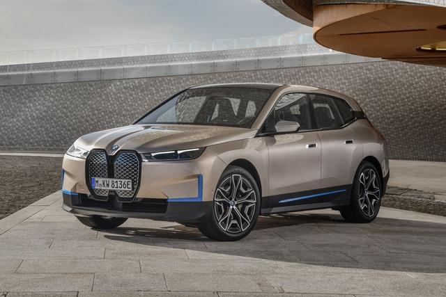 BMW iX sẽ có bản thể thao giá quy đổi gấp hơn 3 lần VinFast VF e34, dự kiến cướp khách Tesla Model X Plaid - Ảnh 1.