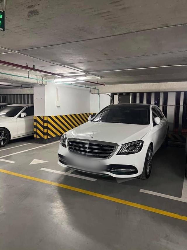 Đỗ xe ngang trái, chủ Mercedes tiền tỷ tái mặt khi đối diện với màn trừng phạt đặc biệt - Ảnh 1.