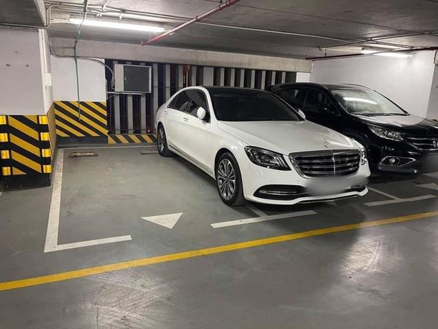Đỗ xe ngang trái, chủ Mercedes tiền tỷ tái mặt khi đối diện với màn trừng phạt đặc biệt - Ảnh 2.