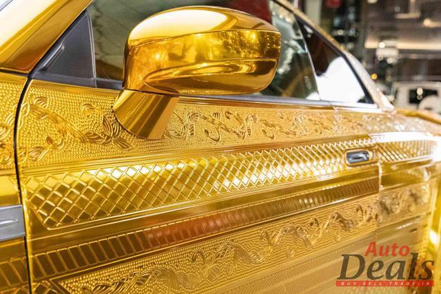 Khi xe Nissan bán ngang giá Rolls-Royce: Nội thất vàng, động cơ mạnh hơn siêu xe - Ảnh 1.
