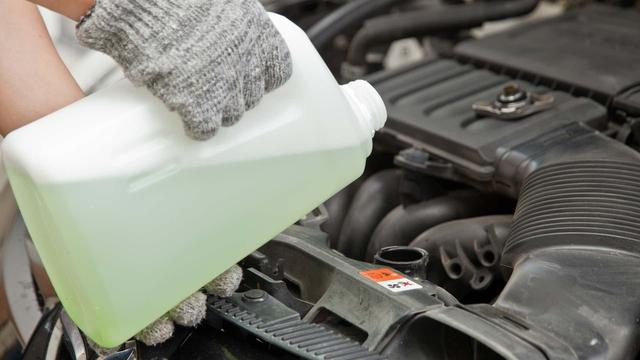 Những dấu hiệu cho thấy bơm nước ô tô đang hoạt động kém dần - Ảnh 2.