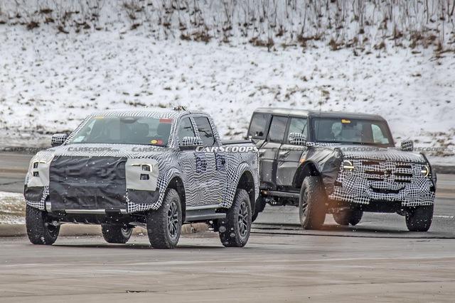 Ford Ranger Raptor đời mới tiếp tục lộ diện: Hứa hẹn cơ bắp hơn, động cơ khủng giống Explorer - Ảnh 1.