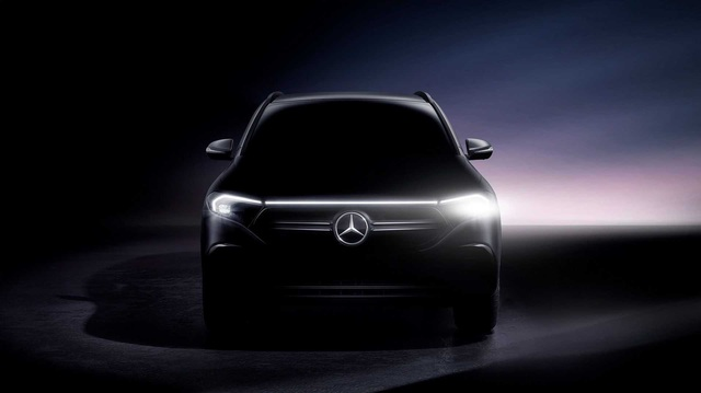 Daimler đổi tên thành Mercedes-Benz, tập trung phát triển xe sang, lấn lướt trước BMW, Audi