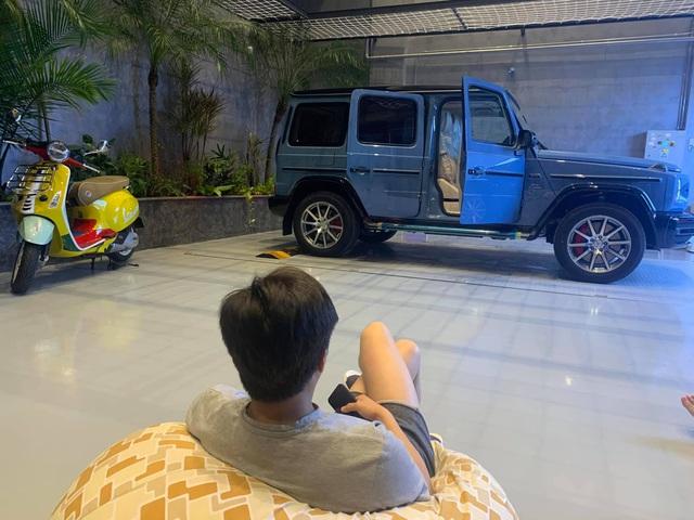 Đàm Thu Trang lần đầu cầm lái Mercedes-AMG G 63 xuống phố đầu năm, Nguyễn Quốc Cường tiết lộ mong muốn 'xin vợ' sắm siêu xe mới - Ảnh 2.