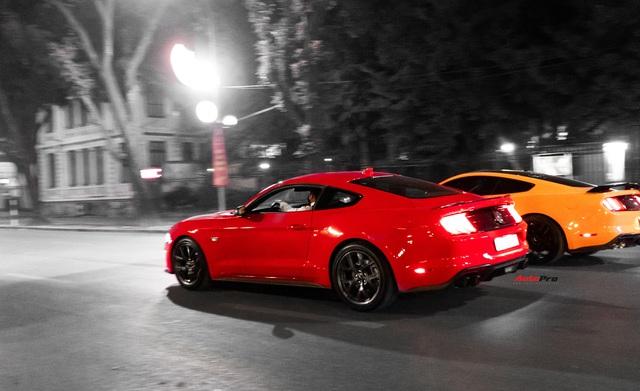 2k Hà thành đánh giá Ford Mustang: Có những thứ không bằng xe phổ thông nhưng trải nghiệm xứng đáng từng xu - Ảnh 7.
