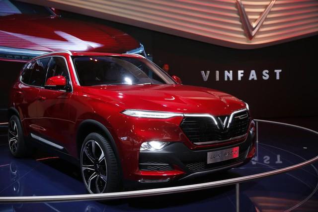 SUV của VinFast có công nghệ như Tesla nhưng giá rẻ hơn - Ảnh 1.