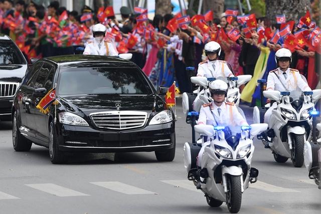 Chuyện những sĩ quan lái mô tô hộ tống bảo vệ yếu nhân - Ảnh 1.