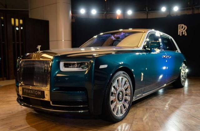 Khám phá Rolls-Royce Phantom Iridescent Opulence gắn 3.000 chiếc lông vũ  - Ảnh 1.