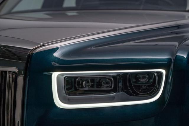 Khám phá Rolls-Royce Phantom Iridescent Opulence gắn 3.000 chiếc lông vũ  - Ảnh 6.