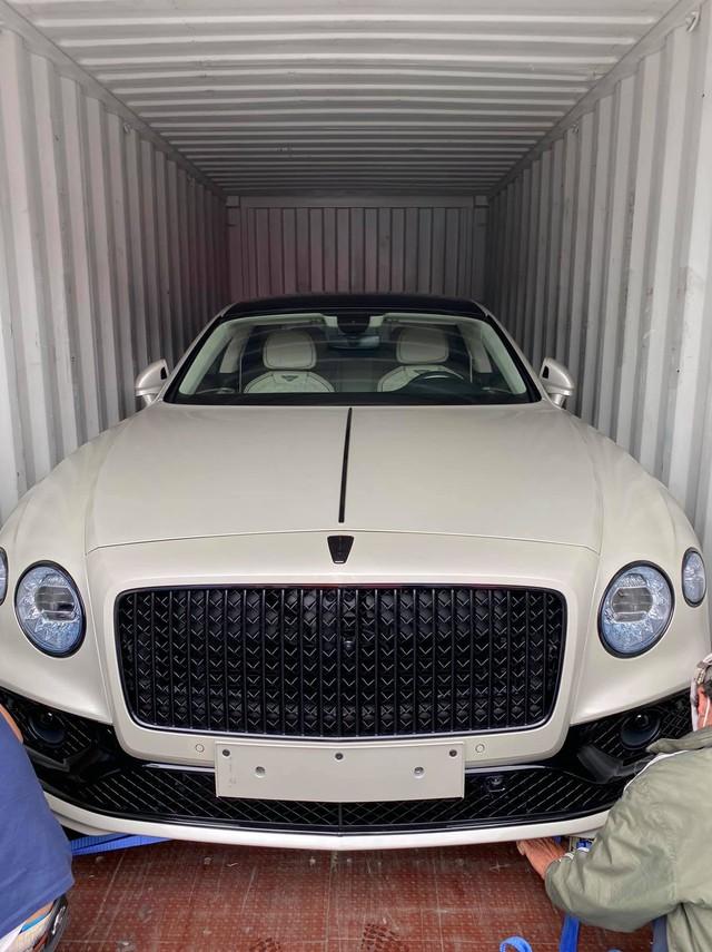Dàn xe gần 100 tỷ về nước ngay trước Tết Nguyên đán phục vụ giới đại gia Việt: Cặp đôi Mercedes-Maybach GLS 600 chiếm spotlight - Ảnh 3.