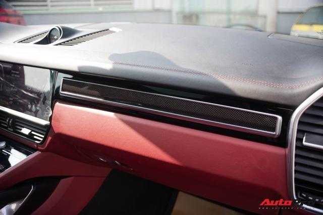 Ngắm Porsche Cayenne Turbo 2020 vừa về Việt Nam: SUV giá hơn 10 tỷ đồng cho đại gia thích tốc độ - Ảnh 8.