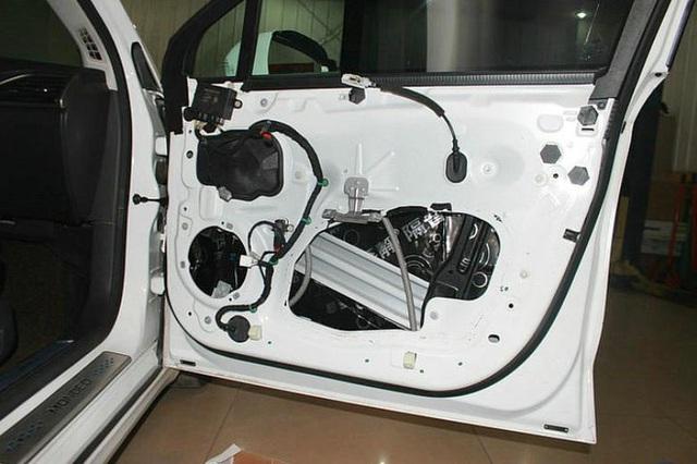 Ngừng tra tấn xe ô tô của bạn qua 4 thói quen gây hại này: 2 thói quen đầu rất nhiều người không để ý - Ảnh 2.