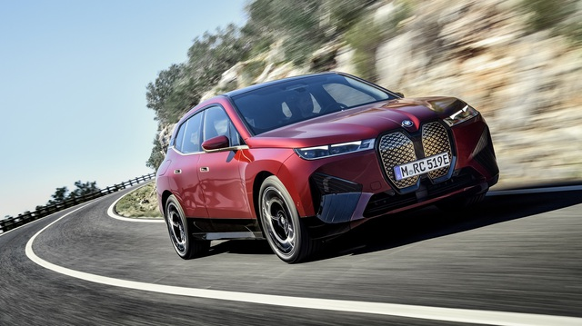 Công bố chi tiết BMW iX - SUV chủ lực mới, giá quy đổi từ 1,8 tỷ đồng