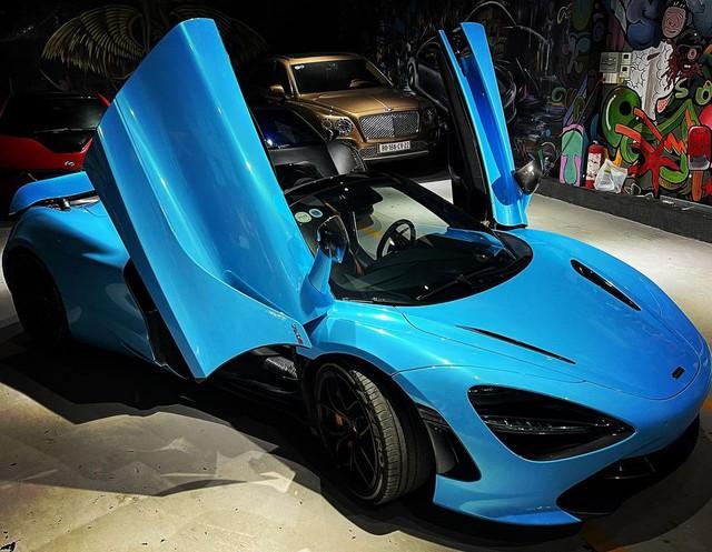 Bắt trend, McLaren 720S Spider màu đen độc nhất Việt Nam của dân chơi lan đổi màu độc đáo - Ảnh 1.