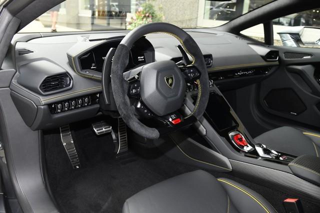 Lộ diện Lamborghini Huracan EVO hàng độc về Việt Nam: Siêu nhẹ, siêu mạnh cùng màu sơn hiếm có - Ảnh 4.