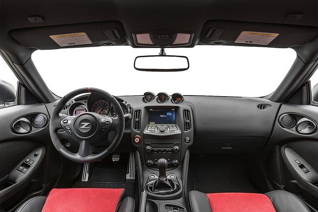 Rộ tin hàng hiếm Nissan 370Z Nismo với trang bị siêu độc cho dân mê tốc độ về Việt Nam - Ảnh 2.