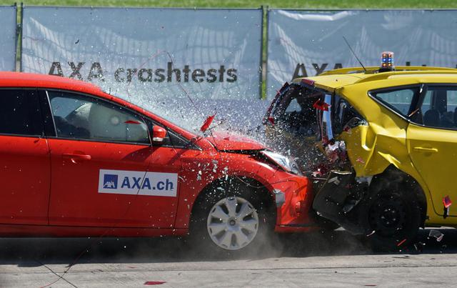 Các công nghệ hỗ trợ người lái và hệ thống an toàn hiện đại trên ô tô - Ảnh 1.