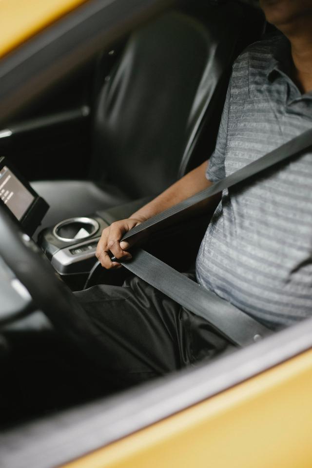 Các công nghệ hỗ trợ người lái và hệ thống an toàn hiện đại trên ô tô - Ảnh 2.