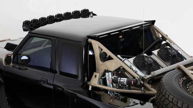 Ford Ranger độ khét nhất thế giới: Chi phí 8 tỷ đồng, gần 5 năm hoàn thiện, cân mọi địa hình - Ảnh 4.