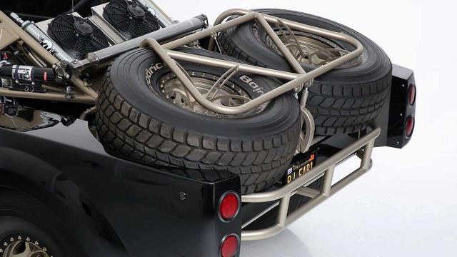 Ford Ranger độ khét nhất thế giới: Chi phí 8 tỷ đồng, gần 5 năm hoàn thiện, cân mọi địa hình - Ảnh 3.